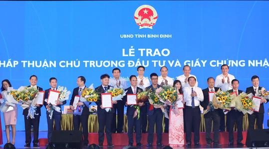 TS Trần Du Lịch: Miền Trung chậm thủ tục đầu tư một ngày là nghèo thêm một năm - Ảnh 4.
