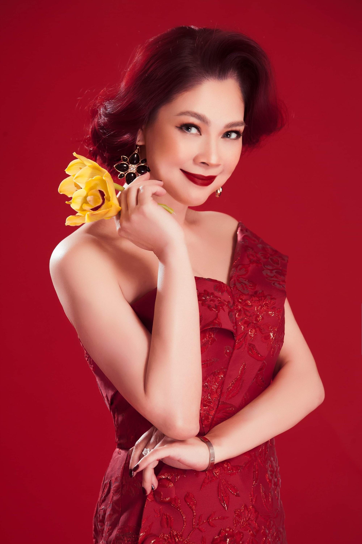 [eMagazine] - Ca sĩ Thanh Thảo: Mai Vàng là kỷ niệm đẹp nhất trong cuộc đời ca sĩ - Ảnh 5.