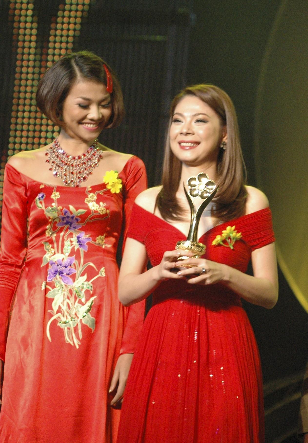 [eMagazine] - Ca sĩ Thanh Thảo: Mai Vàng là kỷ niệm đẹp nhất trong cuộc đời ca sĩ - Ảnh 3.