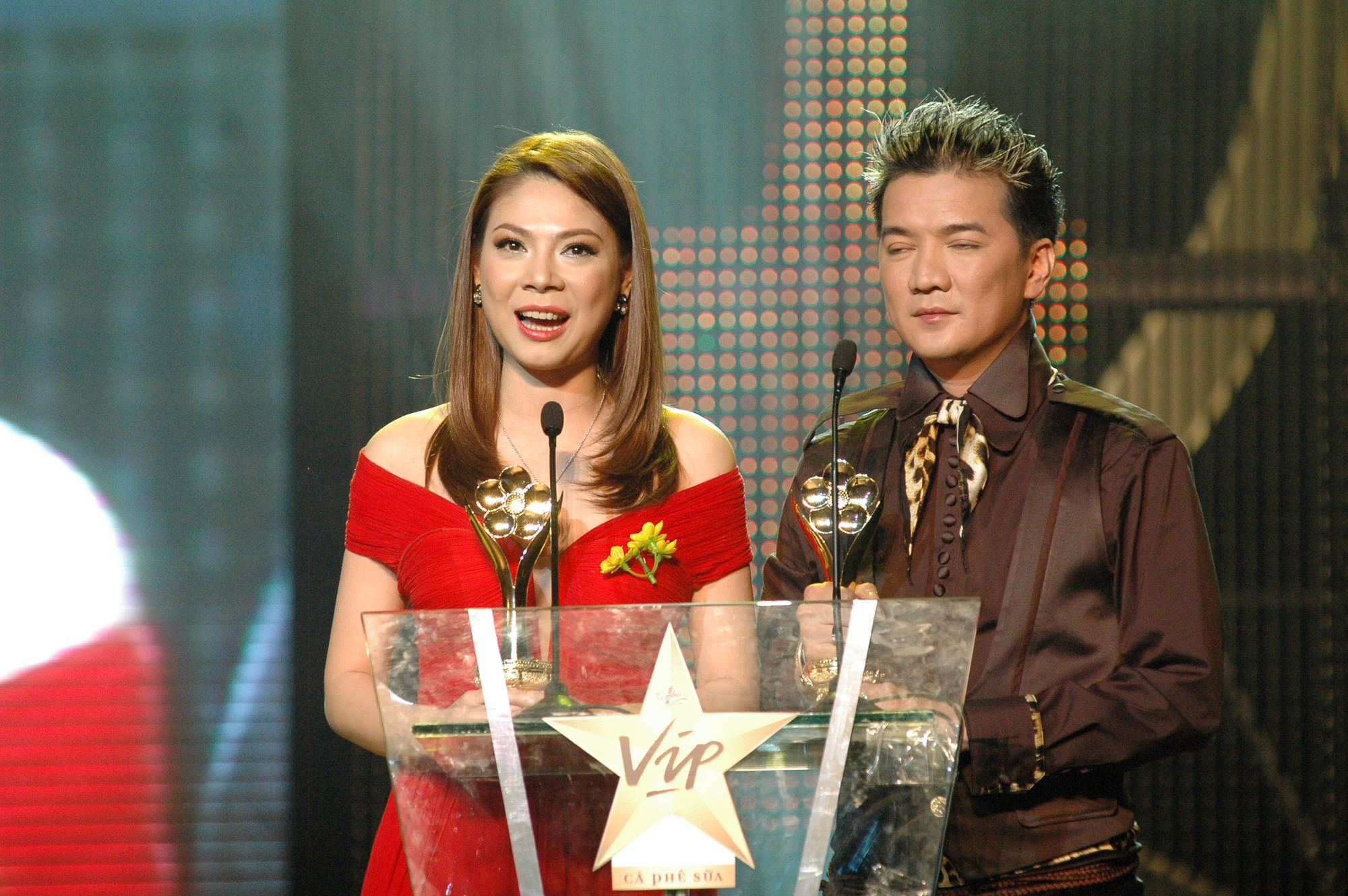 [eMagazine] - Ca sĩ Thanh Thảo: Mai Vàng là kỷ niệm đẹp nhất trong cuộc đời ca sĩ - Ảnh 2.