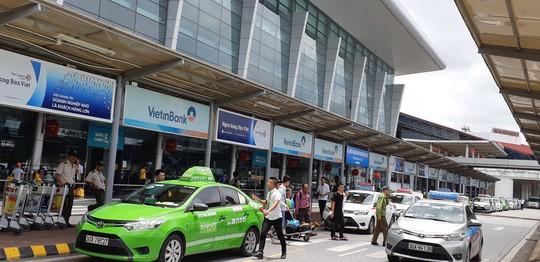 Hà Nội muốn mặc đồng phục cho hàng vạn taxi - Ảnh 1.