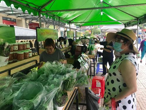 TP HCM có thêm 2 chợ phiên nông sản an toàn - Ảnh 1.