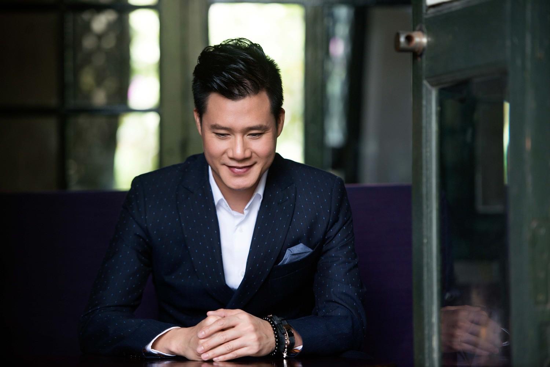 [eMagazine] - Ca sĩ Quang Dũng: Trong tôi tràn ngập sự biết ơn giải Mai Vàng - Ảnh 6.