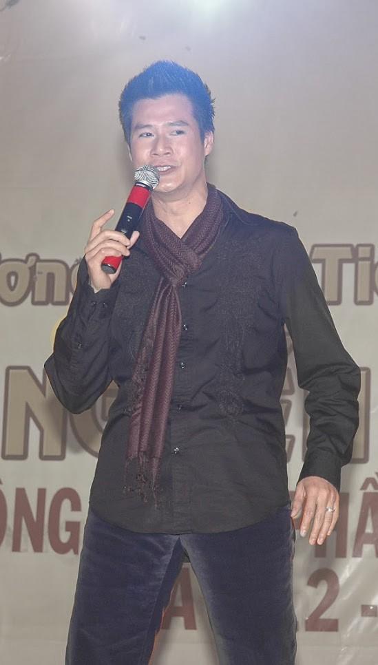 [eMagazine] - Ca sĩ Quang Dũng: Trong tôi tràn ngập sự biết ơn giải Mai Vàng - Ảnh 4.