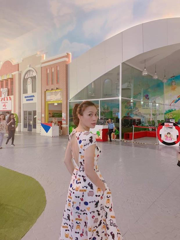 Những ngôi sao lão hóa ngược của showbiz Việt - Ảnh 2.