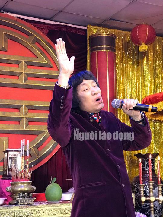 NSND Minh Vương tri ân đồng nghiệp trong ngày giỗ Tổ sân khấu - Ảnh 2.