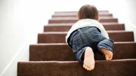 Trẻ bị thương tích tại nhà, xử trí thế nào? - Ảnh 1.