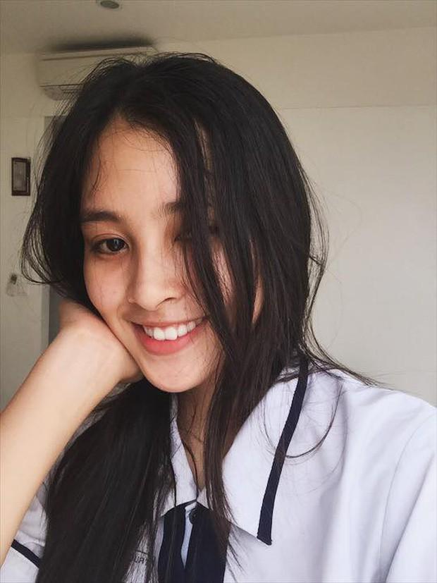 Nhận không ra Hoa hậu Trần Tiểu Vy ngây thơ ngày nào - Ảnh 2.