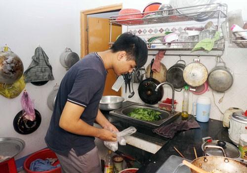 Học bổng Báo Người Lao Động giúp con công nhân vượt khó đến trường - Ảnh 2.