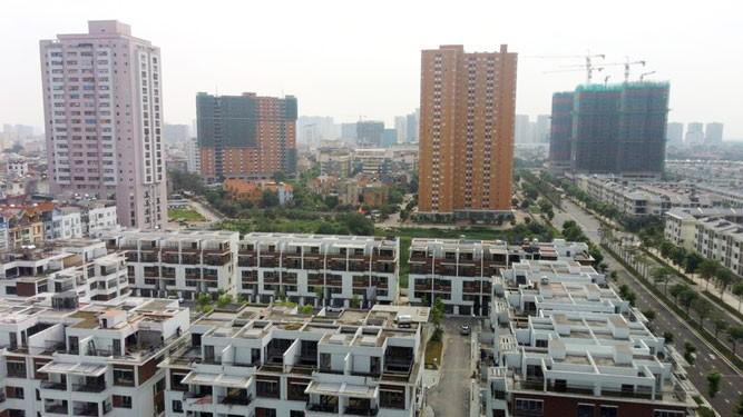 Băn khoăn về đầu tư bất động sản ra nước ngoài - Ảnh 1.