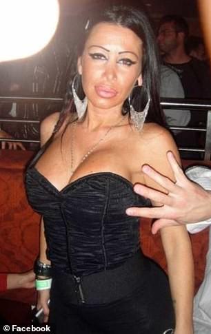Phim Jennifer Lopez đóng vũ nữ thoát y bị dọa kiện - Ảnh 3.