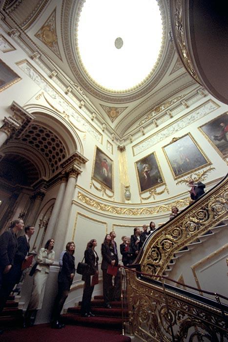 Kiến trúc xa hoa bên biệt thự Buckingham đắt nhất châu Âu - Ảnh 4.