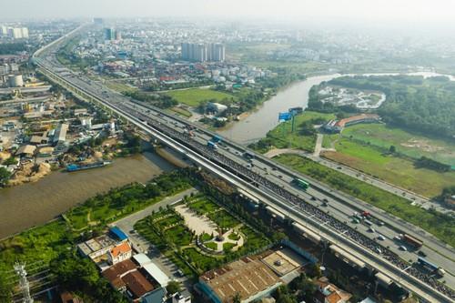 Người Việt khó mua nhà vì giá đất tăng nhanh - Ảnh 1.