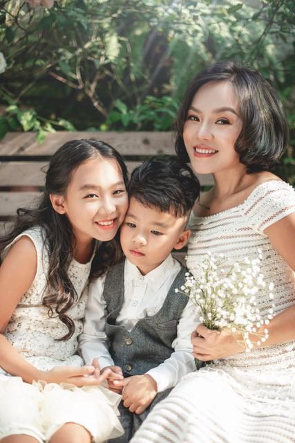 Ca sĩ Thái Thuỳ Linh chia sẻ về hôn nhân đổ vỡ và bản Hợp đồng mẫu tử - Ảnh 1.