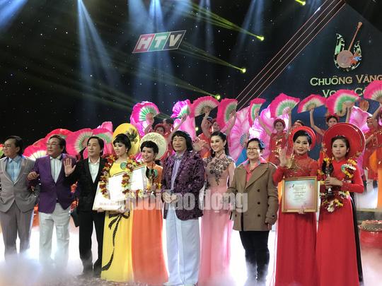 Quách Thị Diễm Ngọc đoạt giải Chuông vàng vọng cổ 2019 - Ảnh 5.