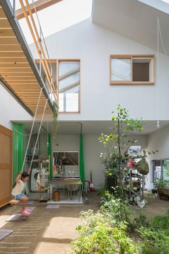 Độc đáo ngôi nhà thiết kế lạ, xóa ranh giới giữa nội thất và ngoại thất - Ảnh 2.