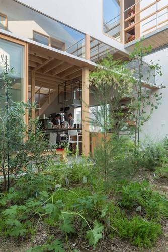 Độc đáo ngôi nhà thiết kế lạ, xóa ranh giới giữa nội thất và ngoại thất - Ảnh 6.