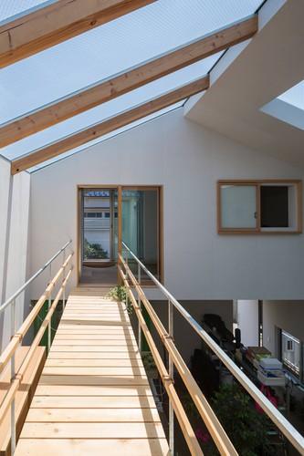 Độc đáo ngôi nhà thiết kế lạ, xóa ranh giới giữa nội thất và ngoại thất - Ảnh 8.
