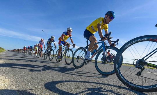 Loic Desriac đoạt áo vàng chung cuộc giải xe đạp quốc tế VTV Cúp 2019 - Ảnh 2.