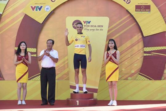 Loic Desriac đoạt áo vàng chung cuộc giải xe đạp quốc tế VTV Cúp 2019 - Ảnh 4.