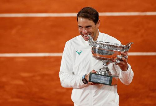 Rafael Nadal sẽ vượt Roger Federer - Ảnh 1.