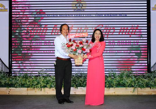 Nhiều hoạt động chào mừng ngày Phụ nữ Việt Nam - Ảnh 1.