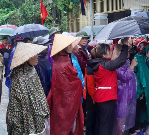 Xúc động lễ tang liệt sĩ, Thiếu tướng Nguyễn Hữu Hùng tại quê nhà - Ảnh 25.