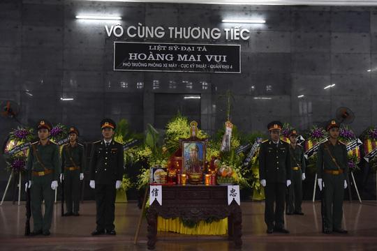 Xúc động lễ tang liệt sĩ, Thiếu tướng Nguyễn Hữu Hùng tại quê nhà - Ảnh 29.