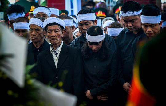Xúc động lễ tang liệt sĩ, Thiếu tướng Nguyễn Hữu Hùng tại quê nhà - Ảnh 13.