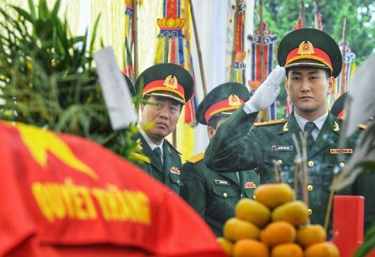 Xúc động lễ tang liệt sĩ, Thiếu tướng Nguyễn Hữu Hùng tại quê nhà - Ảnh 17.