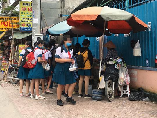 ĂN ĐÚNG CÁCH ĐỂ KHỎE MẠNH: Chọn thức ăn đường phố an toàn - Ảnh 1.