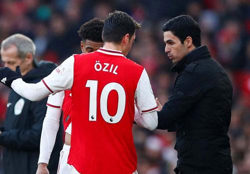 Arsenal và bi kịch mang tên Mesut Ozil - Ảnh 1.