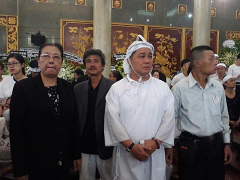 Đông đảo nghệ sĩ và người hâm mộ tiễn biệt NSND Lý Huỳnh - Ảnh 15.