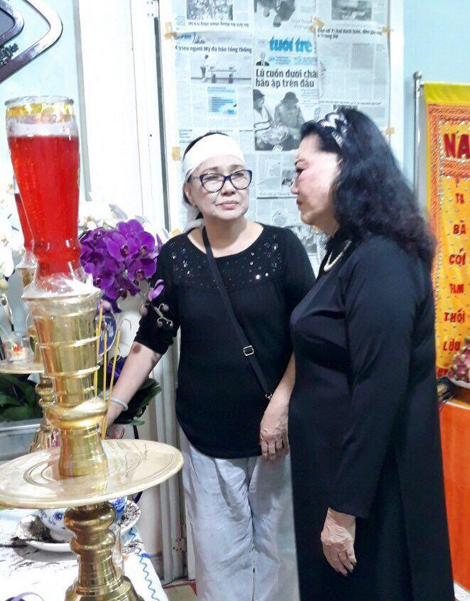 Hàng trăm người tiếc thương tiễn biệt NSƯT Nam Hùng - Ảnh 9.