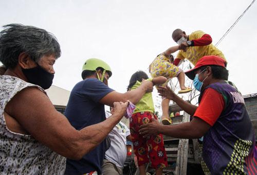 Philippines chuẩn bị ứng phó siêu bão Goni - Ảnh 1.