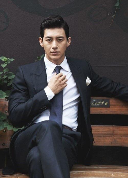 Won Bin và dàn tài tử trẻ lâu của showbiz Hàn - Ảnh 16.