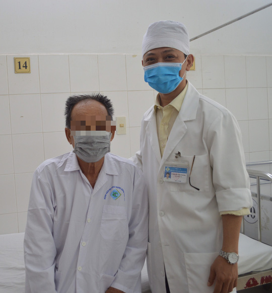 The first patient in the West to have an artificial knee replacement - Photo 4.