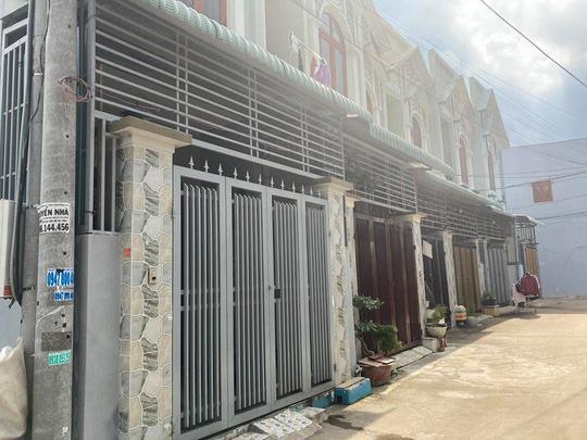 Tạm đình chỉ công tác chủ tịch phường ở Biên Hoà vì để 35 căn nhà liền kề xây lụi - Ảnh 1.