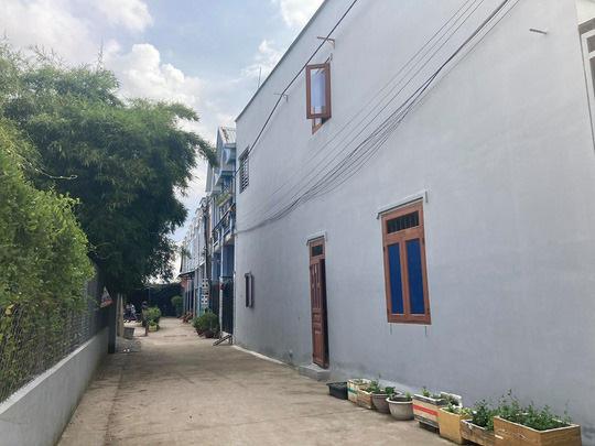 Tạm đình chỉ công tác chủ tịch phường ở Biên Hoà vì để 35 căn nhà liền kề xây lụi - Ảnh 3.