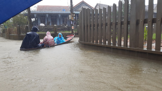 Bình Định, Thừa Thiên - Huế: Nhiều nơi ngập nặng trở lại - Ảnh 4.