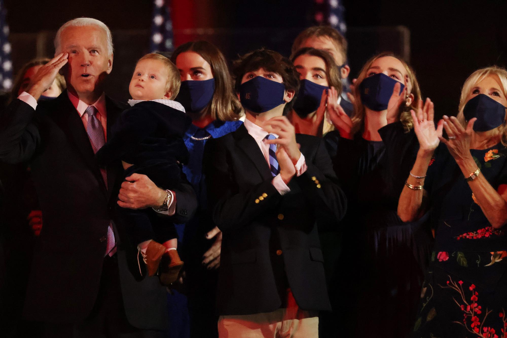 [eMagazine] Cuộc bầu cử tổng thống chưa từng có của nước Mỹ - Ảnh 15.