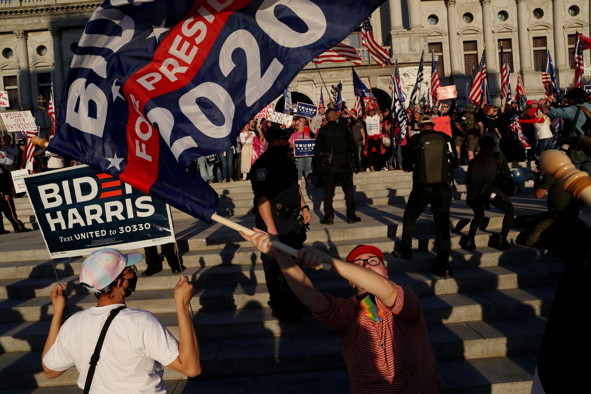 [eMagazine] Cuộc bầu cử tổng thống chưa từng có của nước Mỹ - Ảnh 6.