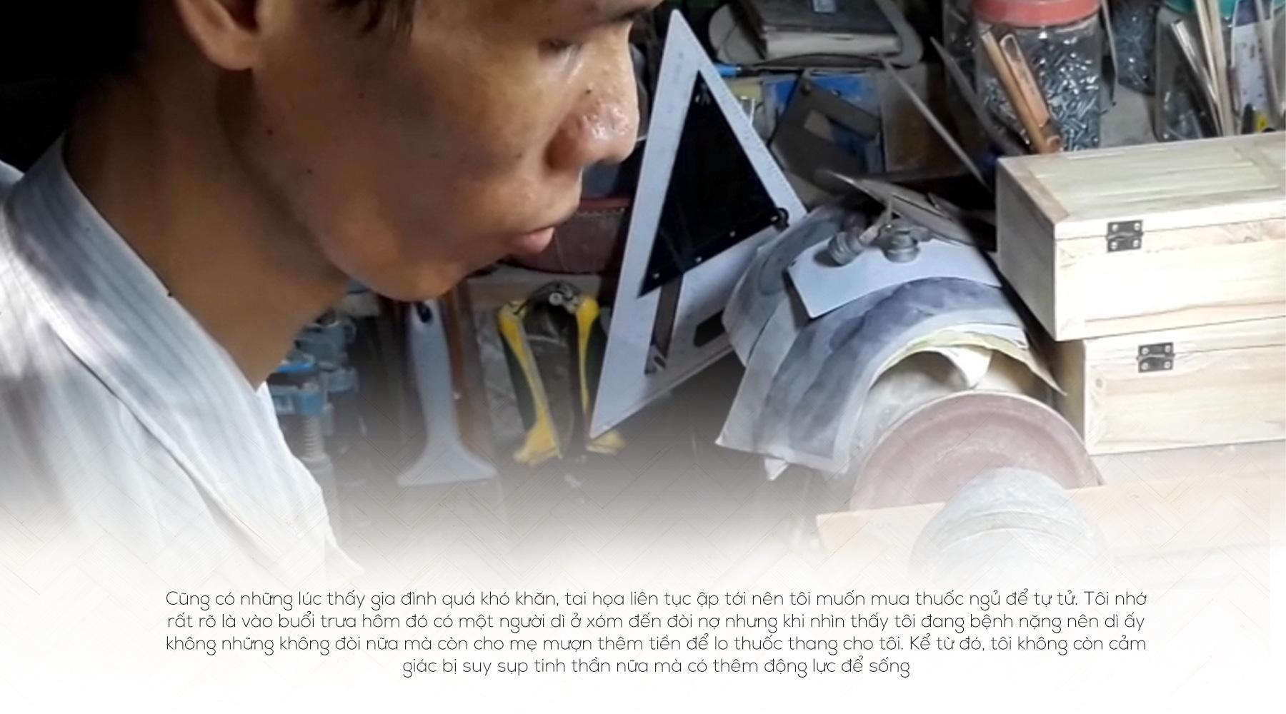 [eMagazine] - Chàng trai mê tre vượt qua nỗi đau tật nguyền - Ảnh 2.