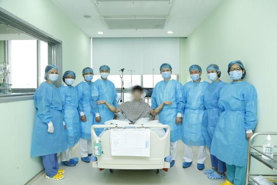 Thanh niên được ghép 2 tay và 5 người ghép tạng từ người hiến chết não - Ảnh 12.