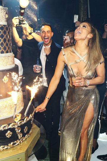 Jennifer Lopez xài 400 triệu USD thế nào ? - Ảnh 3.