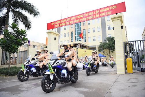 CSGT ra quân bảo vệ Đại hội Đảng toàn quốc lần thứ XIII - Ảnh 1.