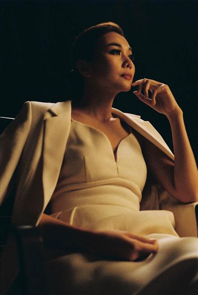 Bầu chọn Mai Vàng 2020 hạng mục nữ diễn viên điện ảnh, phim truyền hình: Ngang tài ngang sức - Ảnh 2.
