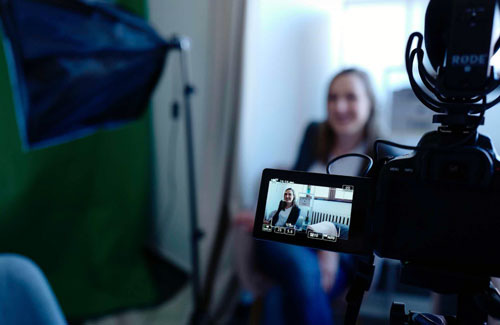 CV video - xu hướng tìm việc mới của giới trẻ - Ảnh 1.