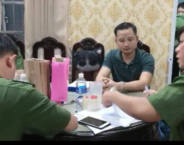 CLIP: Bắt thêm con trai đại gia Thiện Soi - chủ căn biệt thự dát vàng ở Bà Rịa - Vũng Tàu - Ảnh 2.