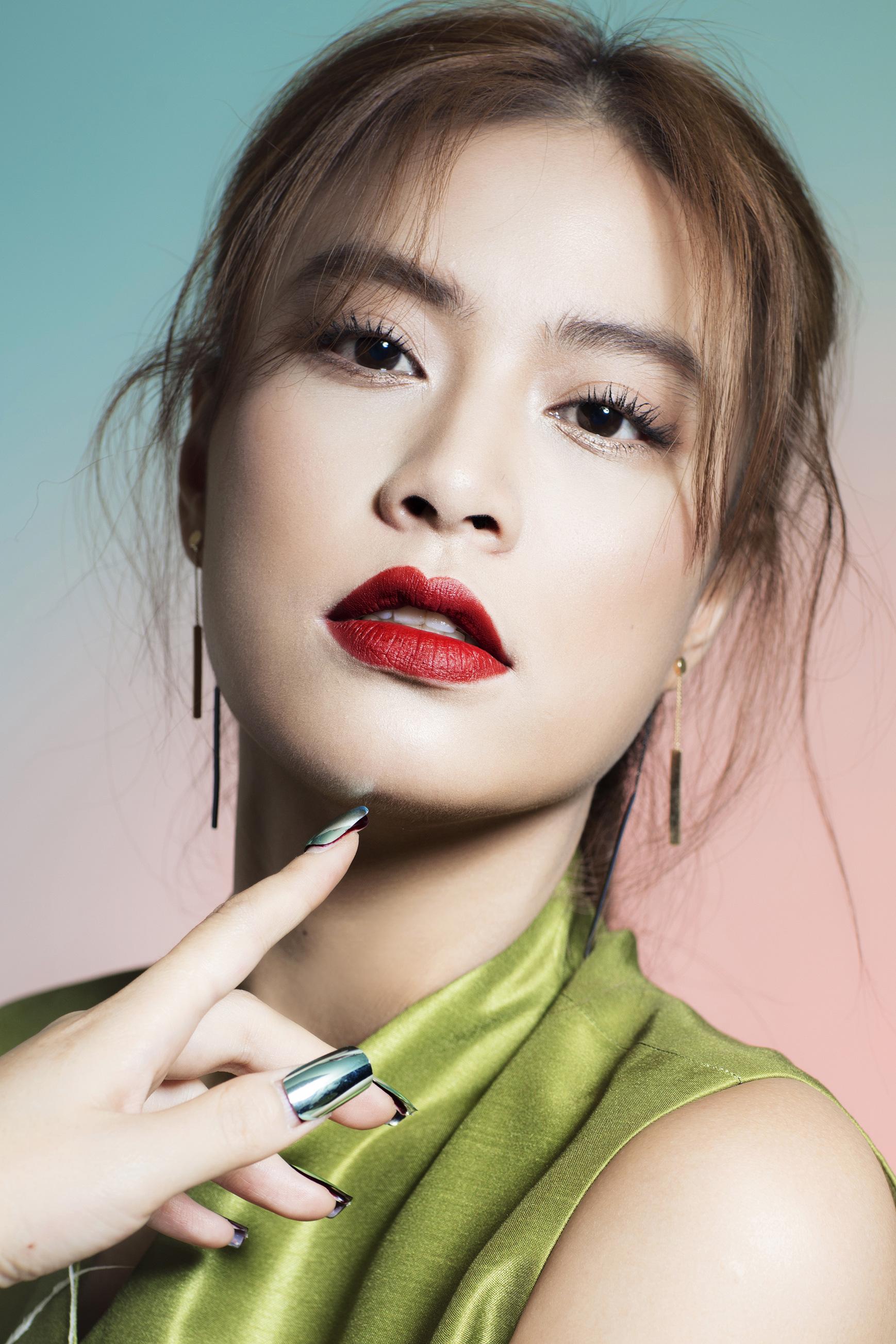 [eMagazine] Ca sĩ Hoàng Thùy Linh: Cứ dụng công thôi, không nghĩ nhiều - Ảnh 4.